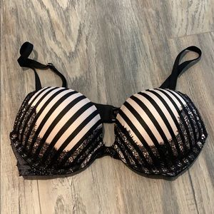 32B Victoria's Secret Bombshell Bra